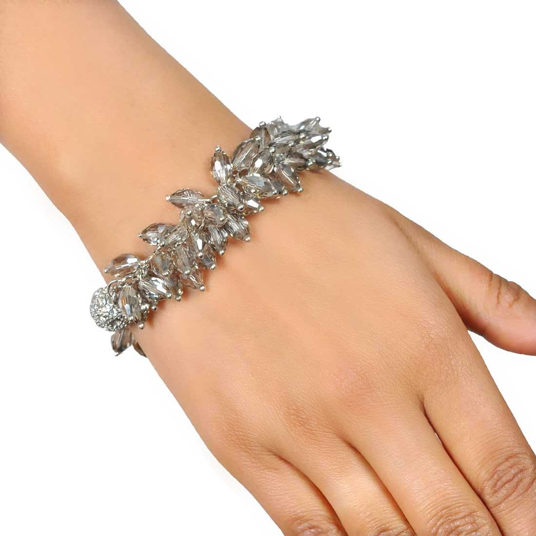 Classic Silver Designer Adjustable Get-together Bracelet Alloy Maayra MY7692