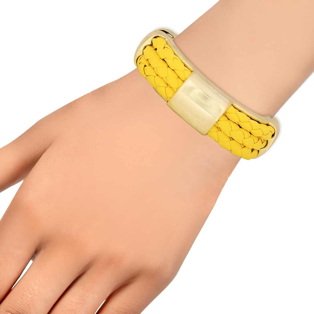 Classy Yellow Gold in-Trend Adjustable Casualwear Bracelet Alloy Maayra MY7731