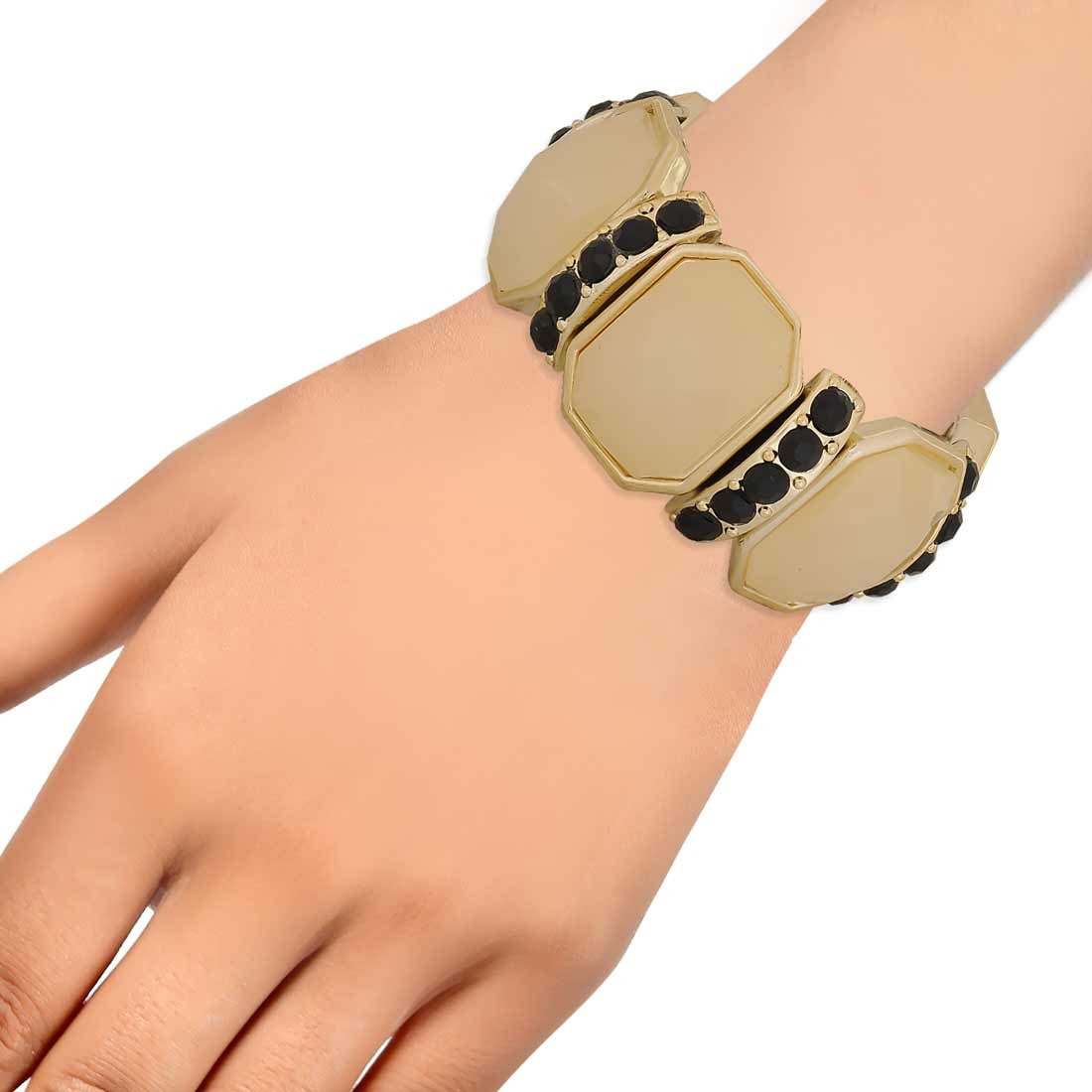 Lively Yellow Black in-Trend Adjustable College Bracelet Alloy Maayra MY7751