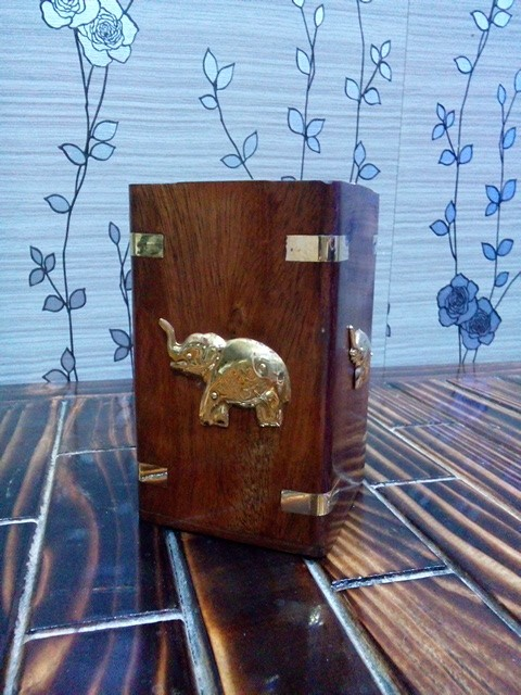 onlineshoppeein Onlineshoppee Premium Wooden  Pen Holder With Brass Elephent Design